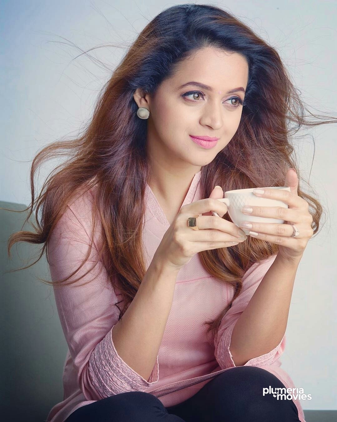 Bhavana Menon Malayalam Actress having tea