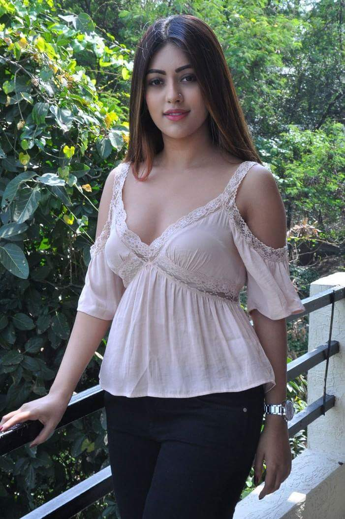 Anu Emmanuel hot topless photo