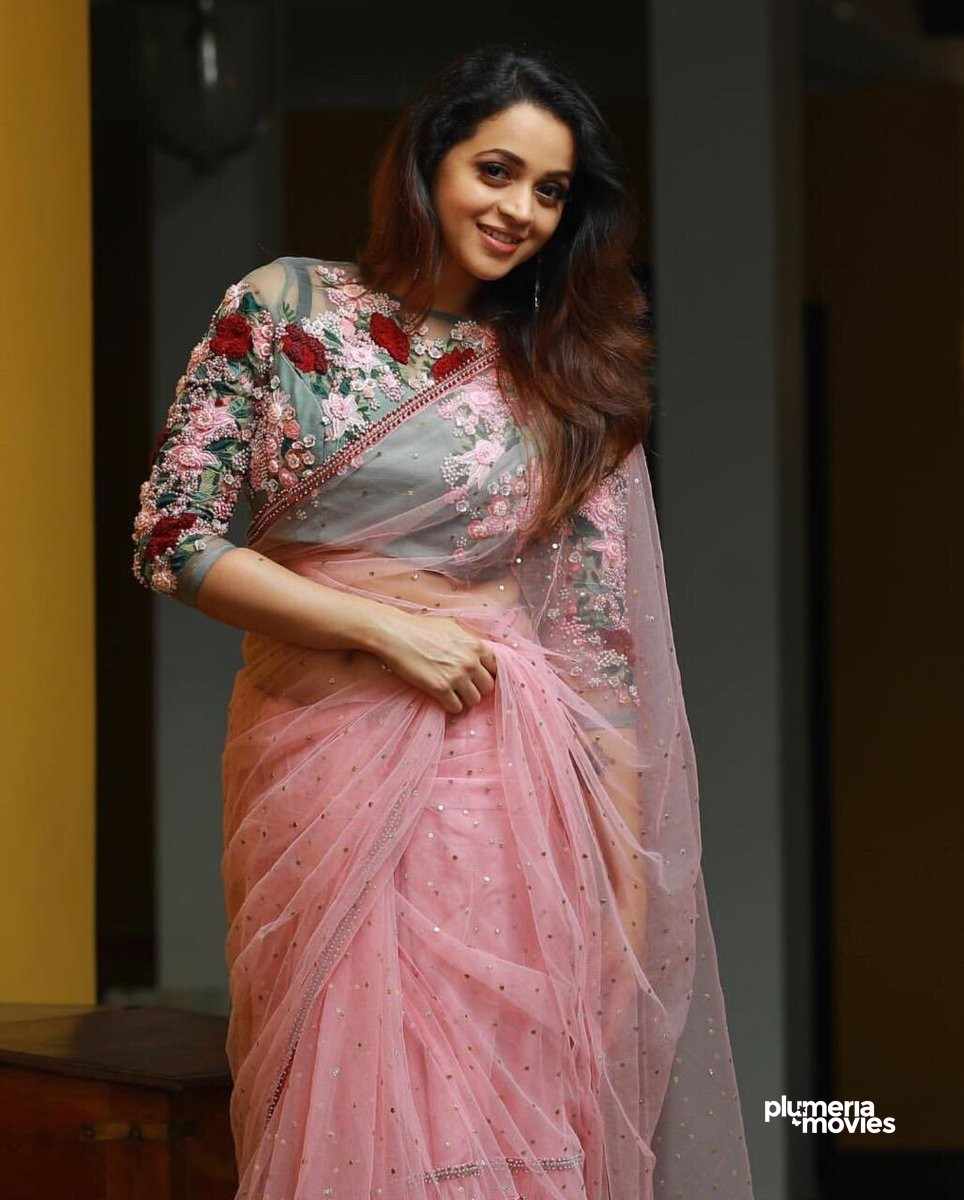Bhavana Menon hot in saree