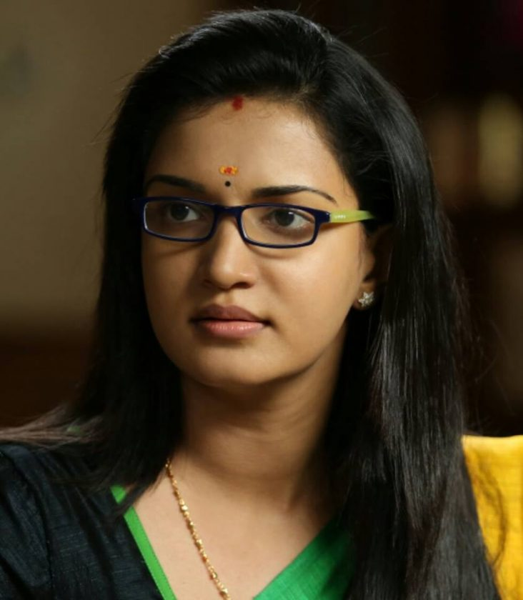 Honey Rose in traditional saree