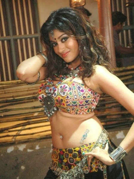 Oviya hot during song sequence