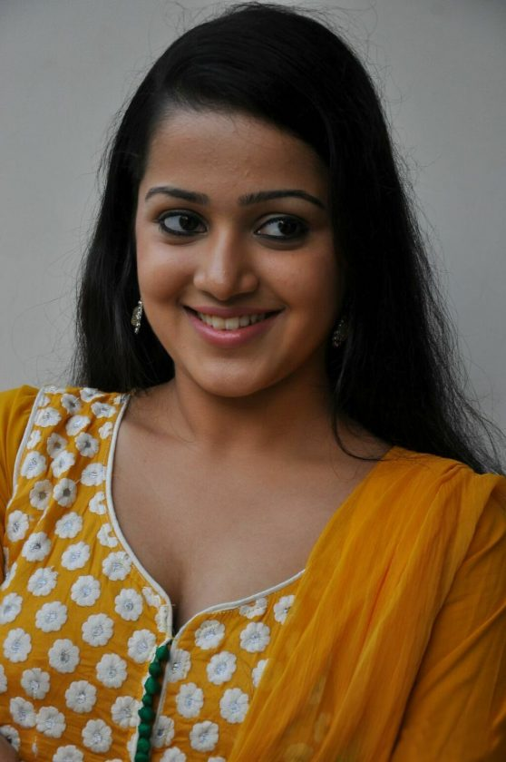 Samskruthy Shenoy Photo Gallery hot malayalam actress