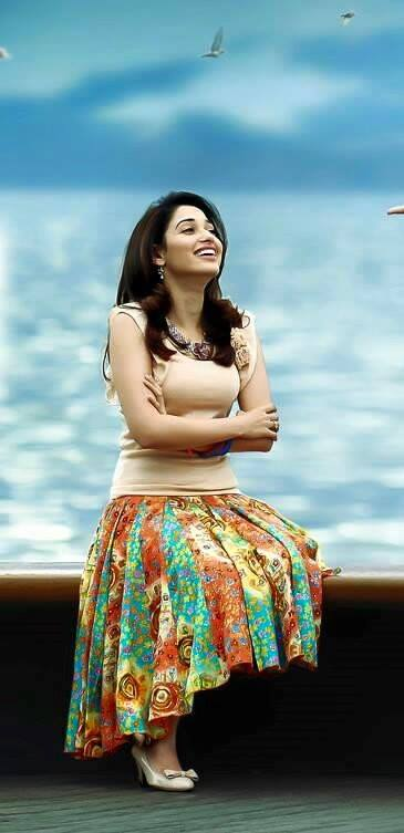 Tamannaah bhatia old photo from her early career