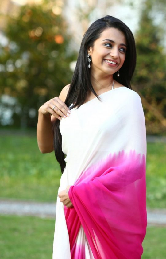 Trisha Krishnan beautiful photo in white saree